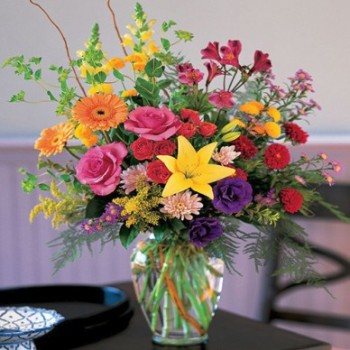 Dazzling Mom by George Thomas Florist